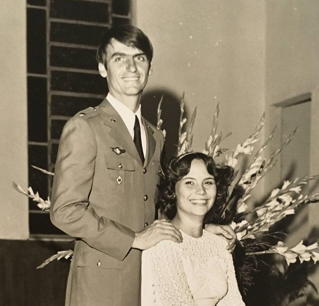 Жаир Болсонаро на сватбата с първата си съпруга Рожериа Брава. Снимка: El Pais