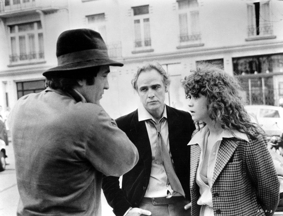 """Бертолучи с Марлон Брандо и Мария Шнайдер по време на снимките на """"Последно танго в Париж"""". Снимка: El Pais"""