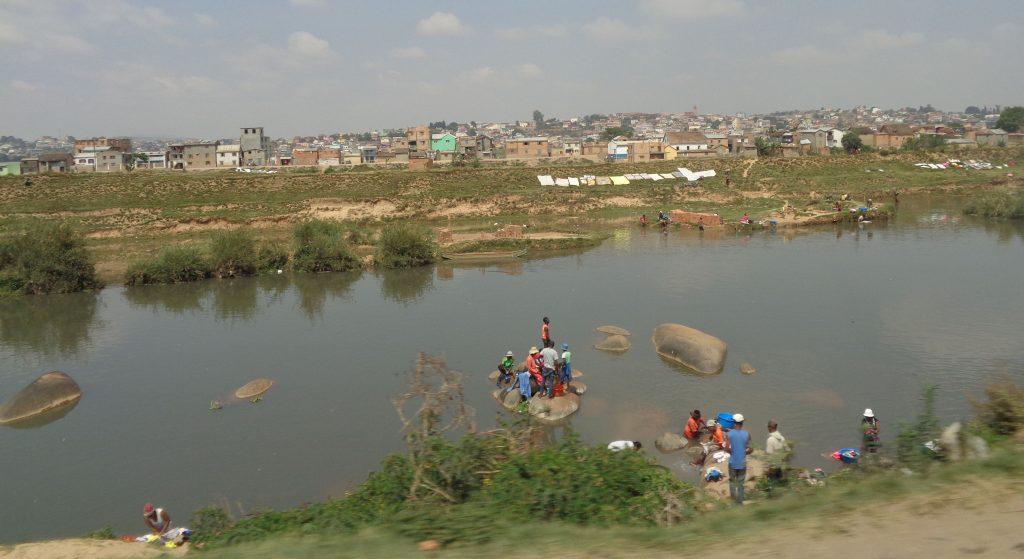 Пояси на нищетата опасват столицата на Мадагаскар. Снимка: Къдринка Къдринова