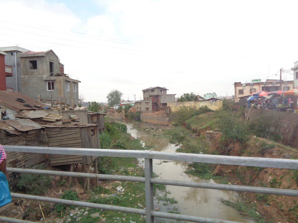 И тук живеят хора. Снимка: Къдринка Къдринова