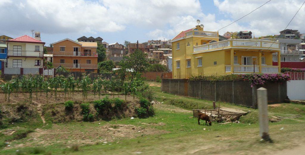Още един оазиз на благополучието сред доминиращата нищета. Снимка: Къдринка Къдринова