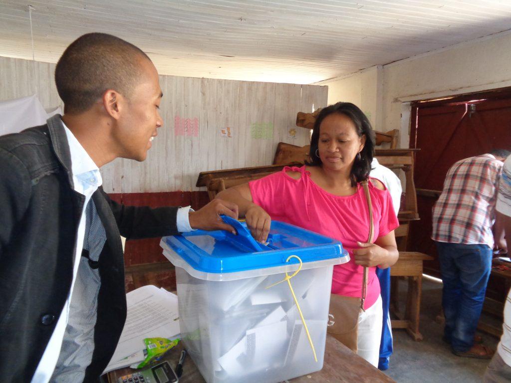 Гласуване в една от секциите. Снимка: Къдринка Къдринова