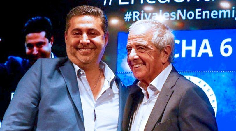"""Допреди инцидента от 24 ноември Даниел Анхелиси (вляво) и Родолфо Д'Онофрио излъчваха пълно щастие от своето """"джентълменско споразумение"""". Снимка: NA"""