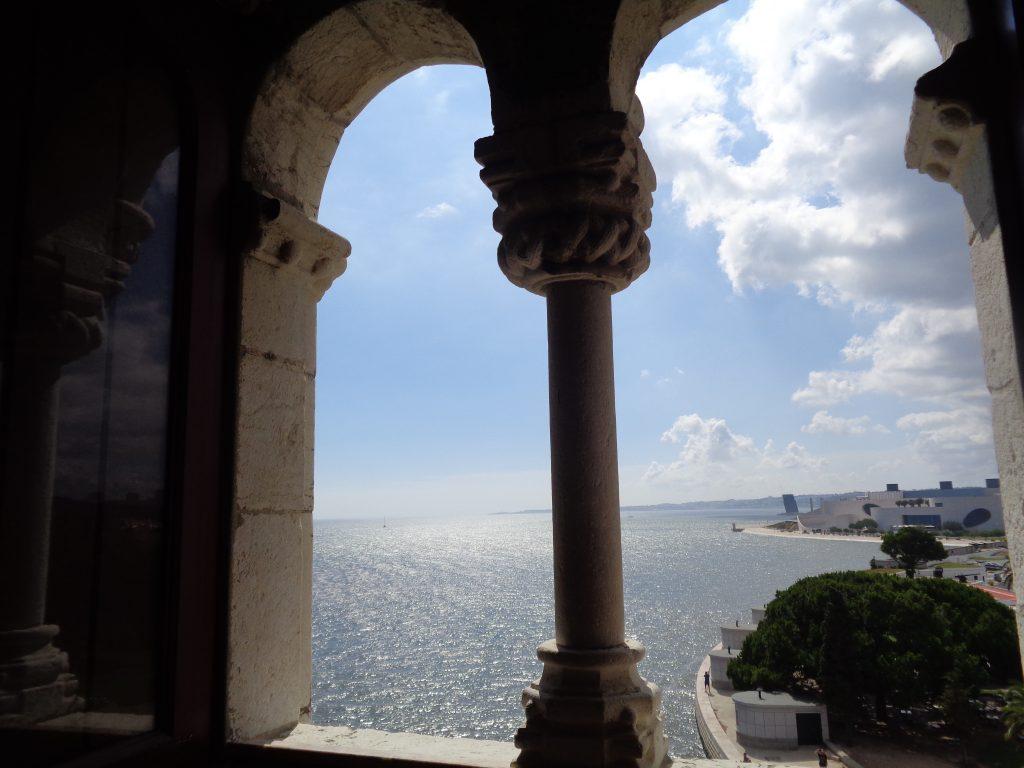 """От втория етаж на кулата """"Белем"""" се отваря мамеща панорама към простора, в който река Тежу прелива в Атлантическия океан. Снимка: Къдринка Къдринова"""