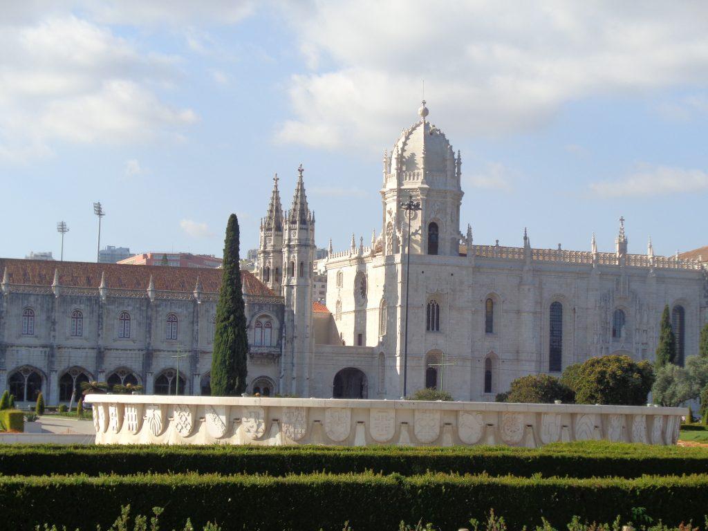 """Манастирът """"Жеронимуш"""" и църквата към него. Снимка: Къдринка Къдринова"""