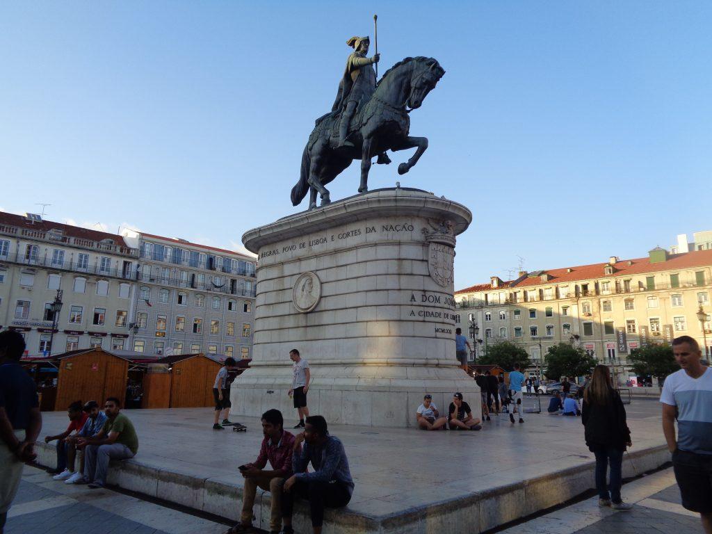 """На площад """"Фигейра"""" е паметникат на крал Жоао Първи. Снимка: Къдринка Къдринова"""