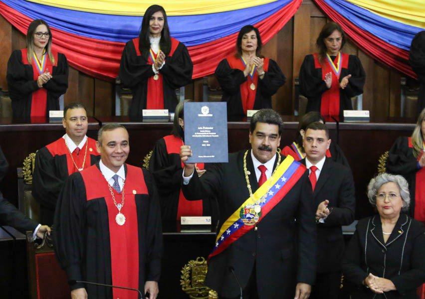 Николас Мадуро положи клетвата си за нов президентски мандат пред Върховния съд, защото Националното събрание е суспендирано още през 2016-та. Снимка: Туитър