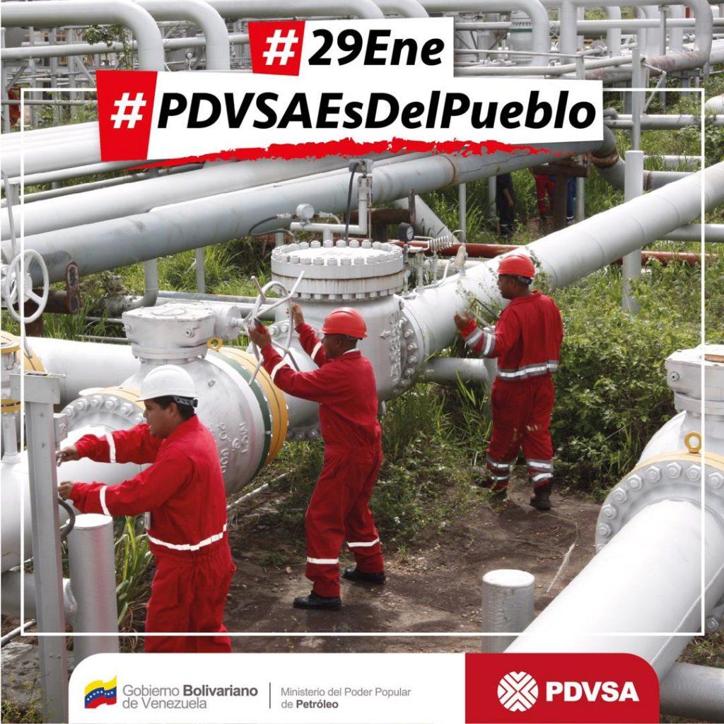 """""""29 януари–PDVSA е на народа"""". Снимка с такъв надпис пусна на своя профил в Туитър шефът на PDVSA и министър на петрола на Венесуела Мануел Кеведо."""