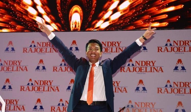 Андри Ражоелина е щастлив от победата си. Снимка: africazine