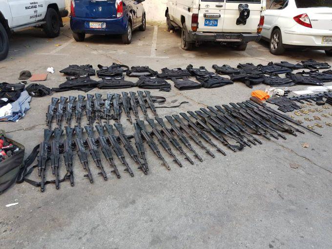 Откраднатото и заловено след това оръжие. Снимка: Resumen Latinoamericano
