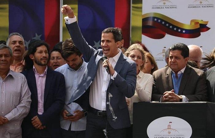 Хуан Гуайдо зове за военен преврат и се провъзгласява за временен президент на Венесуела. Снимка: YouTube