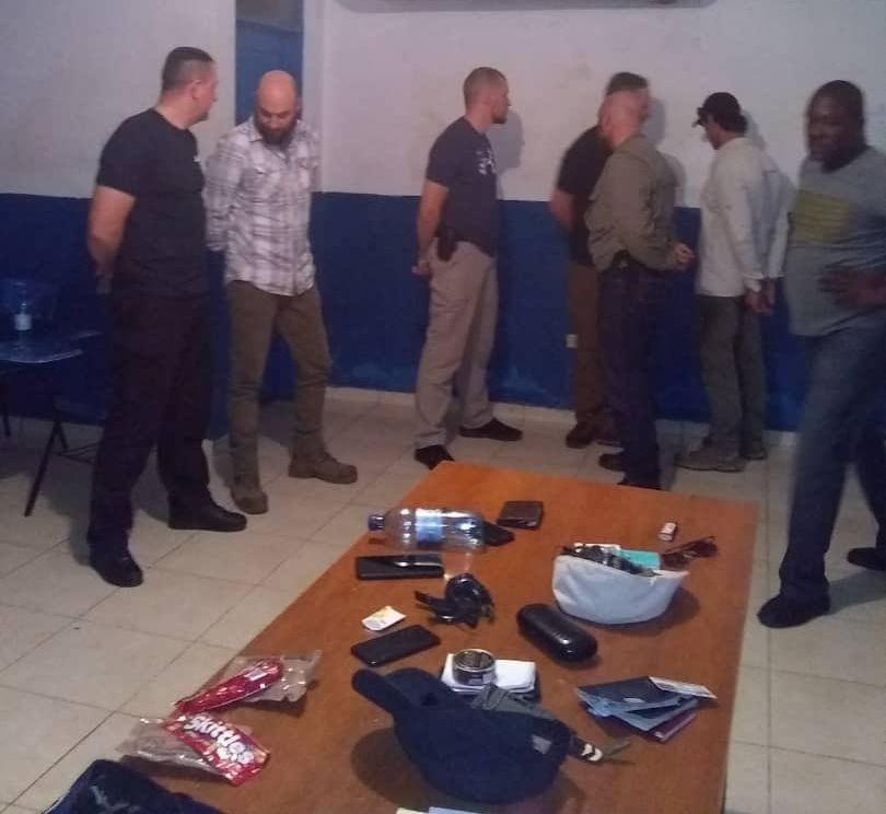 Арестуваната в Порт-о-Пренс въоръжена група от предимно американски граждани. Снимка: Туитър