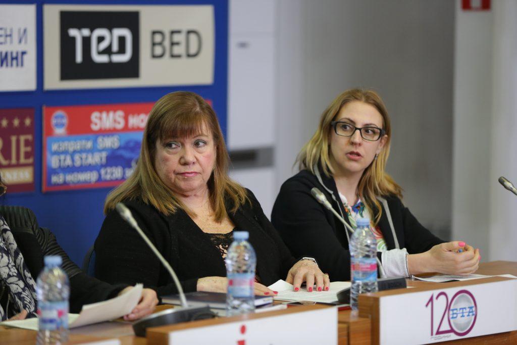 Н. Пр. Ориета Капони, посланик на Венесуела в България (вляво)