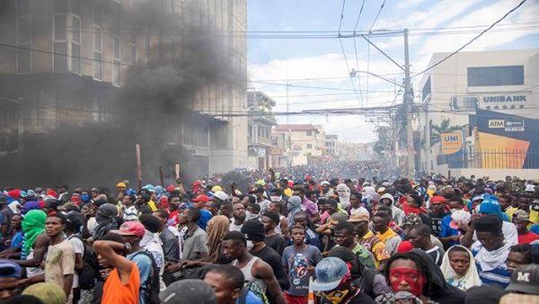 Протестно шествие в Порт-о-Пренс. Снимка: EFE