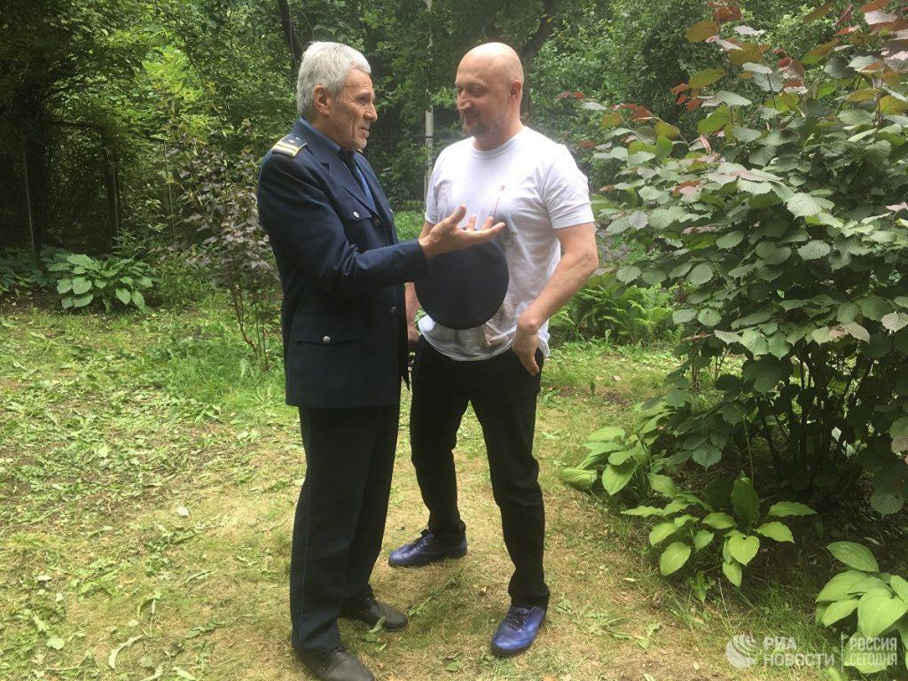 """Гойко Митич и Гоша Куценко по време на снимките на """"Балкански рубеж"""". Снимка: РИА"""