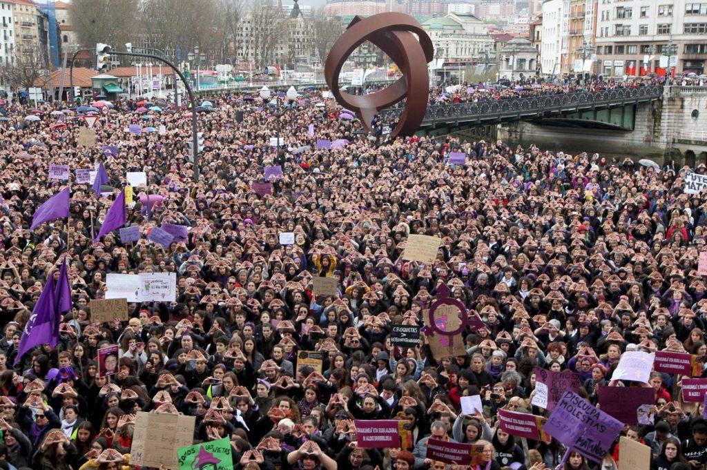 Феминисткото шествие в Билбао. Снимка: EFE
