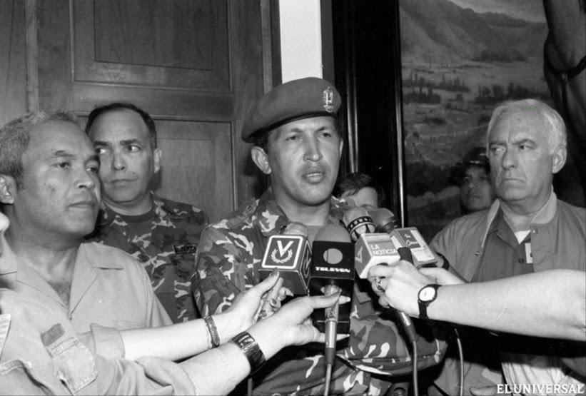 При неуспелия военен метеж срещу управлението на Карлос Андрес Перес, извършен на 4 февруари 1992 г., Уго Чавес поема цялата отговорност върху себе си и отива в затвора. Снимка: albaciudad