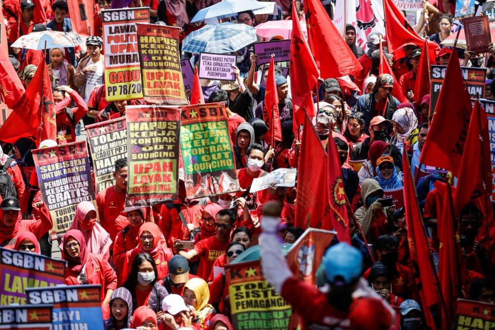 Масова демонстрация в защита на правата на жените в Джакарта, столицата на Индонезия. Снимка: EFE