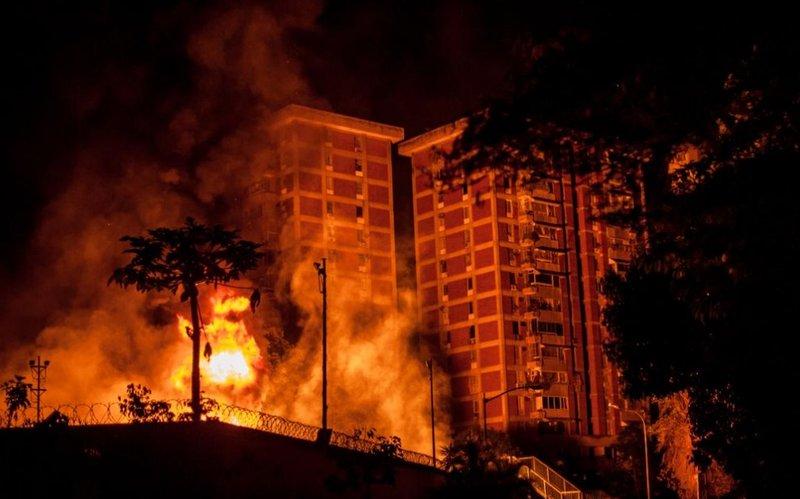 Взривяването на трафопоста в квартал Барута в югоизточната част на Голям Каракас. Снимка: La Iguana