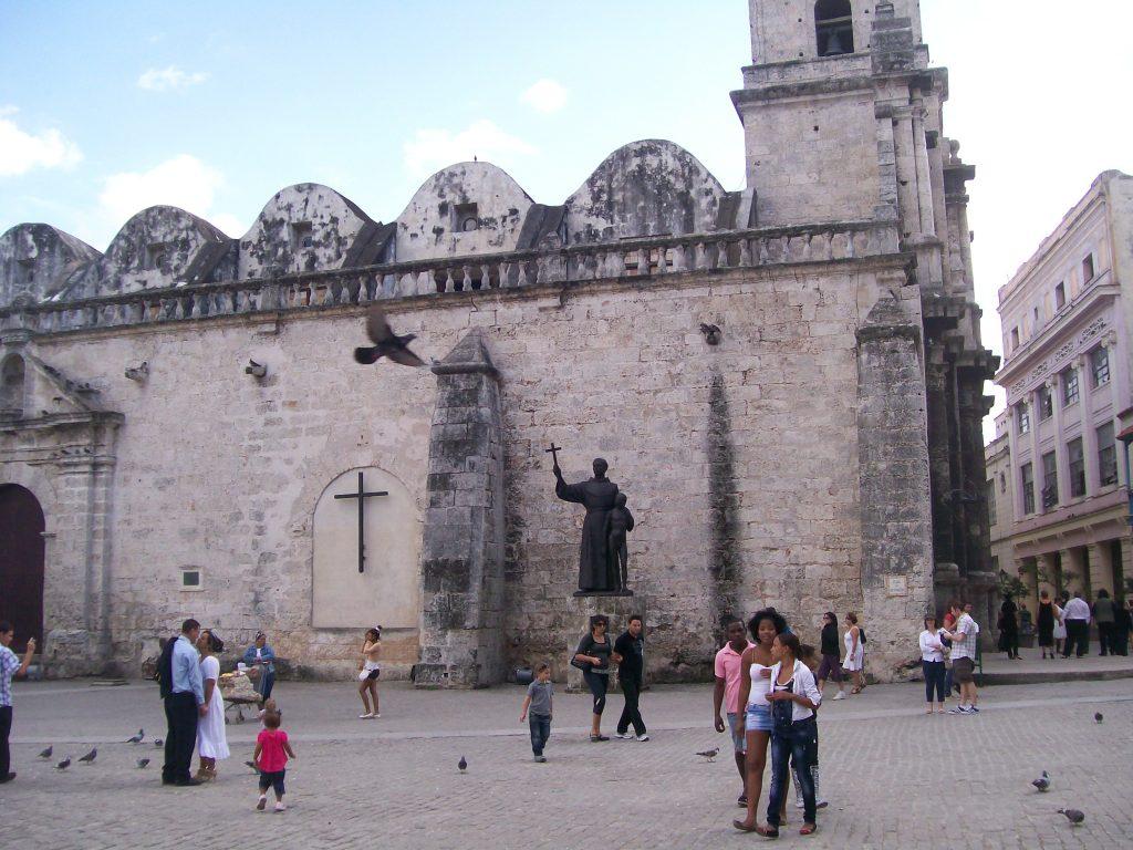 """Площадът пред манастира и църквата """"Сан Франсиско"""". Снимка: Къдринка Къдринова"""
