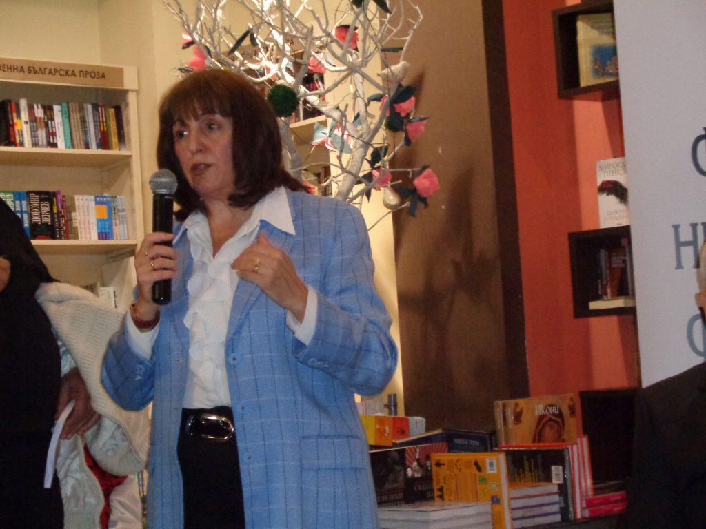 Проф. Евгения Калинова пожела журналисти и историци да се съберат заедно около една маса за дискусия по болезненото минало на България, което отеква и до днес. Снимка: Къдринка Къдринова