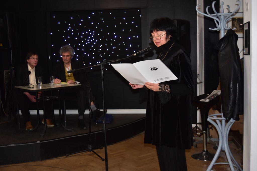 Снежана Тодорова прочете отвореното писмо на УС на СБЖ до висшите институции в България. Снимка: Мари Къналян