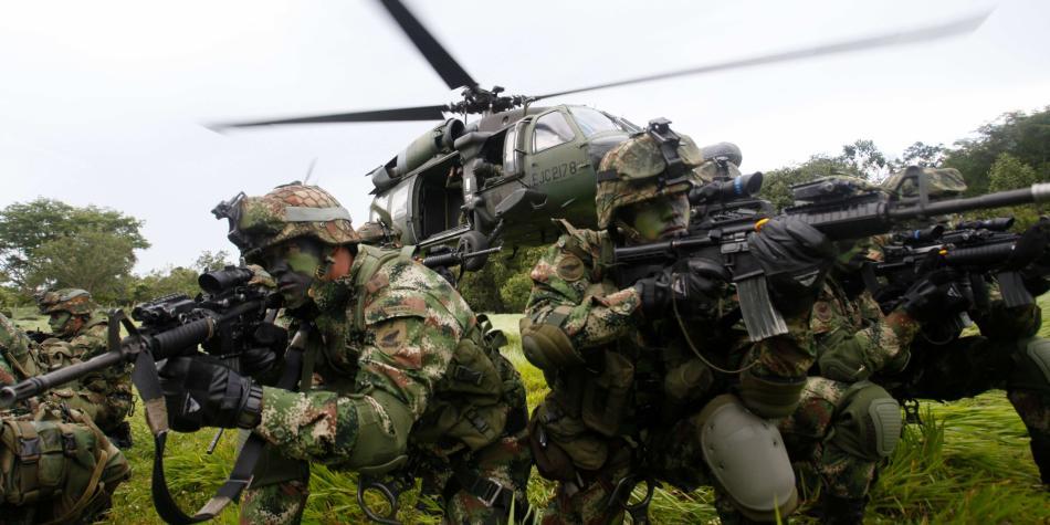 """От години колумбийската армия е имала карт-бланш да избива цивилни жертви, представяйки ги за участвали в бой """"въстаници"""". Снимка: El Tiempo"""