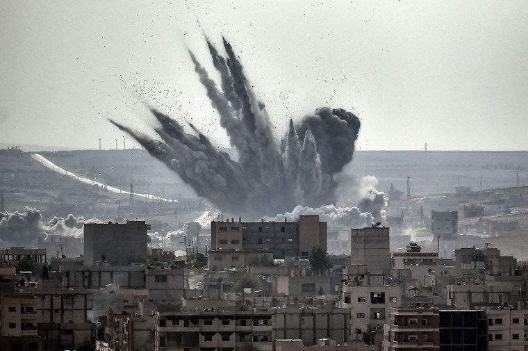 Цивилните жертви на въздушните удари подковапат доверието в САЩ и техните съюзници в Сирия