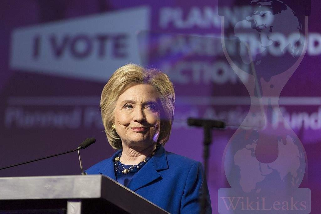 Разкритя на Уикилийкс хвърлиха сянка върху избора на Клинтън. Изображение: Wikimedia Commons; baricada.org