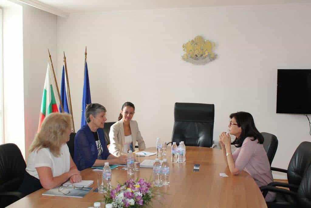 """Меглена Кунева на среща с ръководството на """"Америка за България"""". Снимка: Министерство на образованието и науката"""