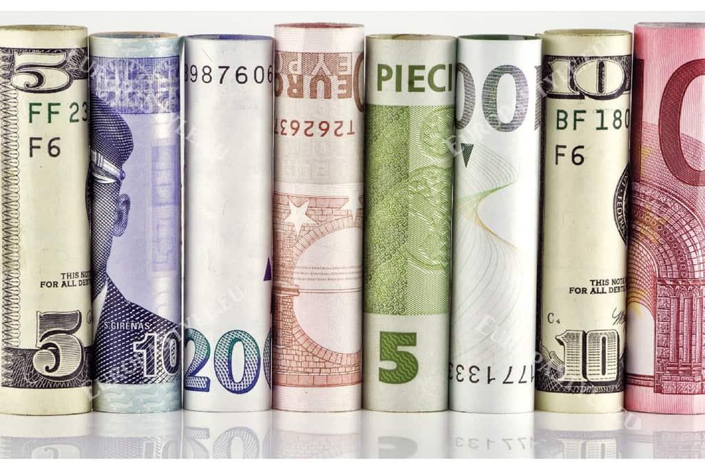 1405-1029-s4-fototapeti-banknoti-money1-1200x800_0