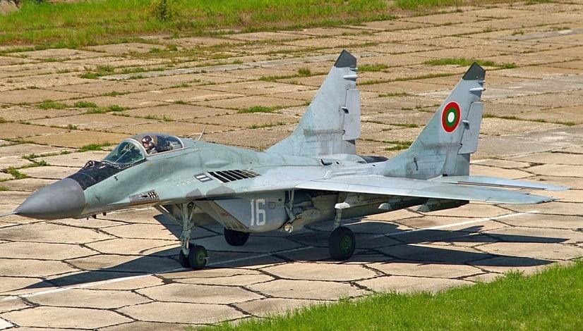 Правителството предизборно вдигна самолети, които се кани да замени. Снимка: Wikimedia Commons