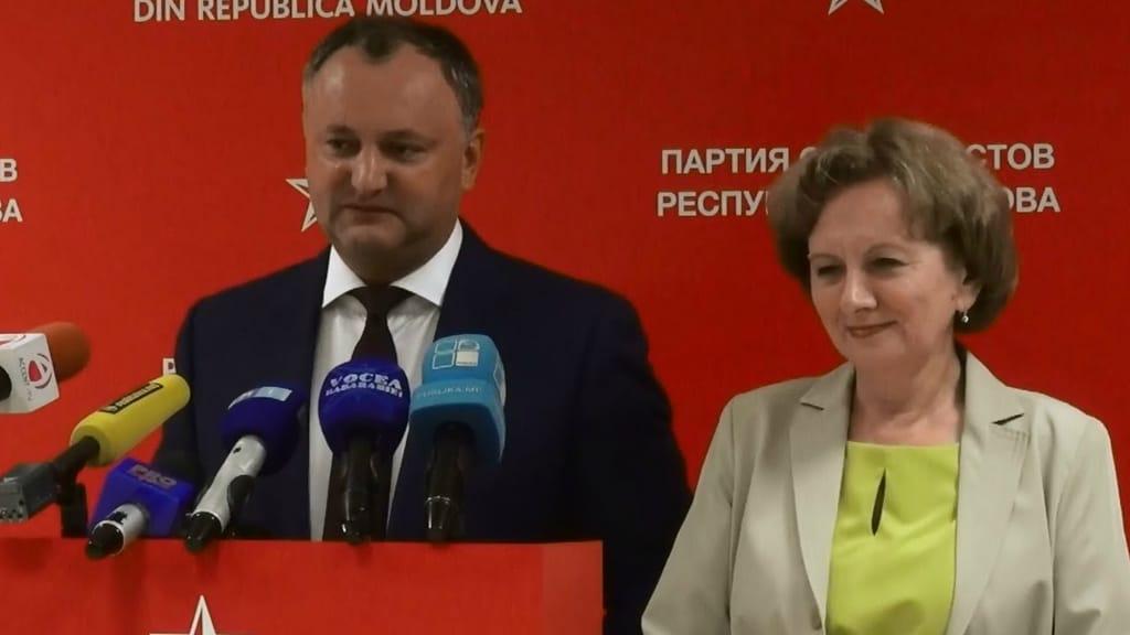 Oamenii puternici din PSRM Igor Dodon și Zinaida Greceanîi (sursă: Accent TV 2015)