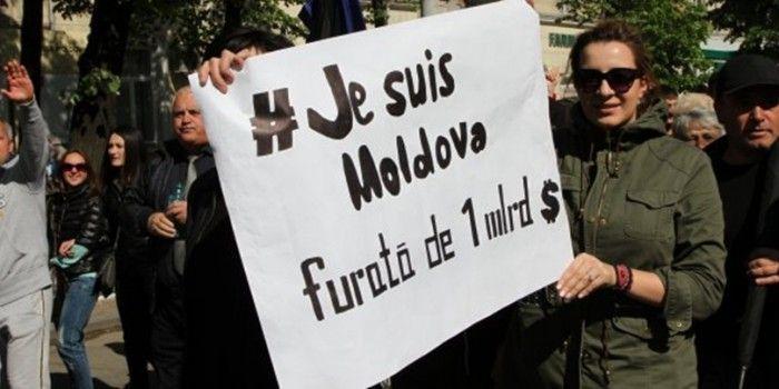 je_suis_moldova_presa_libera-700x350