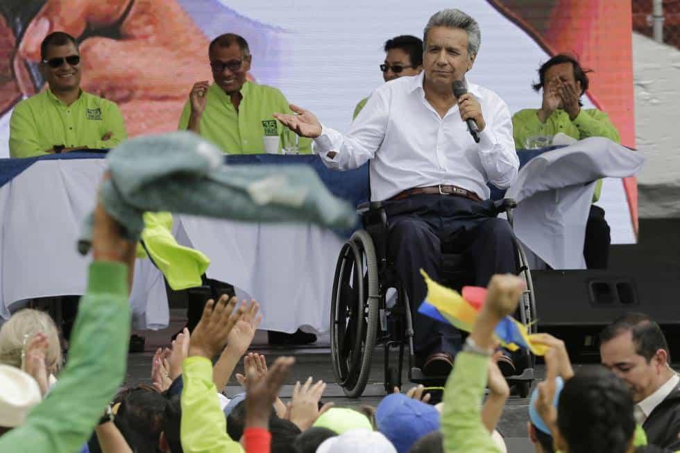 Кандидат-президентът Ленин Волтер Морено по време на предизборен митинг в Еквадор