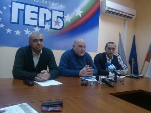 Депутатът анестезиолог от ГЕРБ Кирил Добрев, който иска да слуша опера на български, е в средата