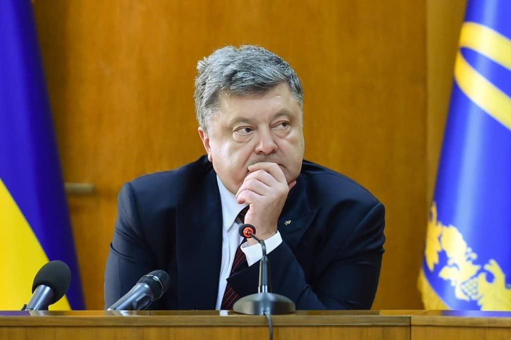 Порошенко обяви, че ще прави референдум за членство в НАТО без никой да го е канил там. Снимка: president.gov.ua