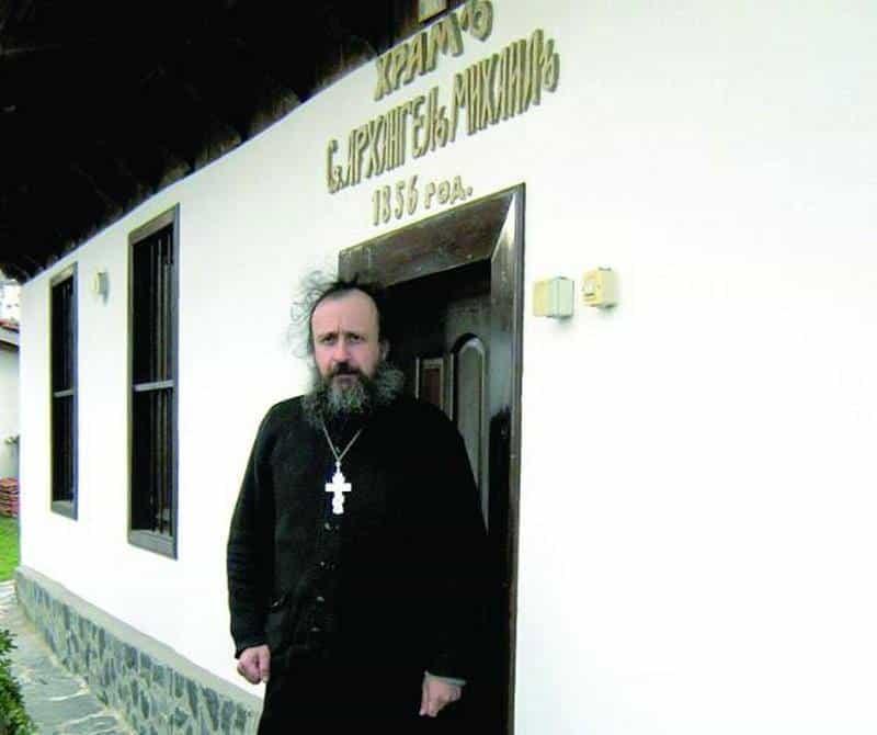 """Божидар Главев не е част от """"Ахат"""" от 1991 година. В момента той е свещеник в град Каблешково и старопланинското село Горица"""