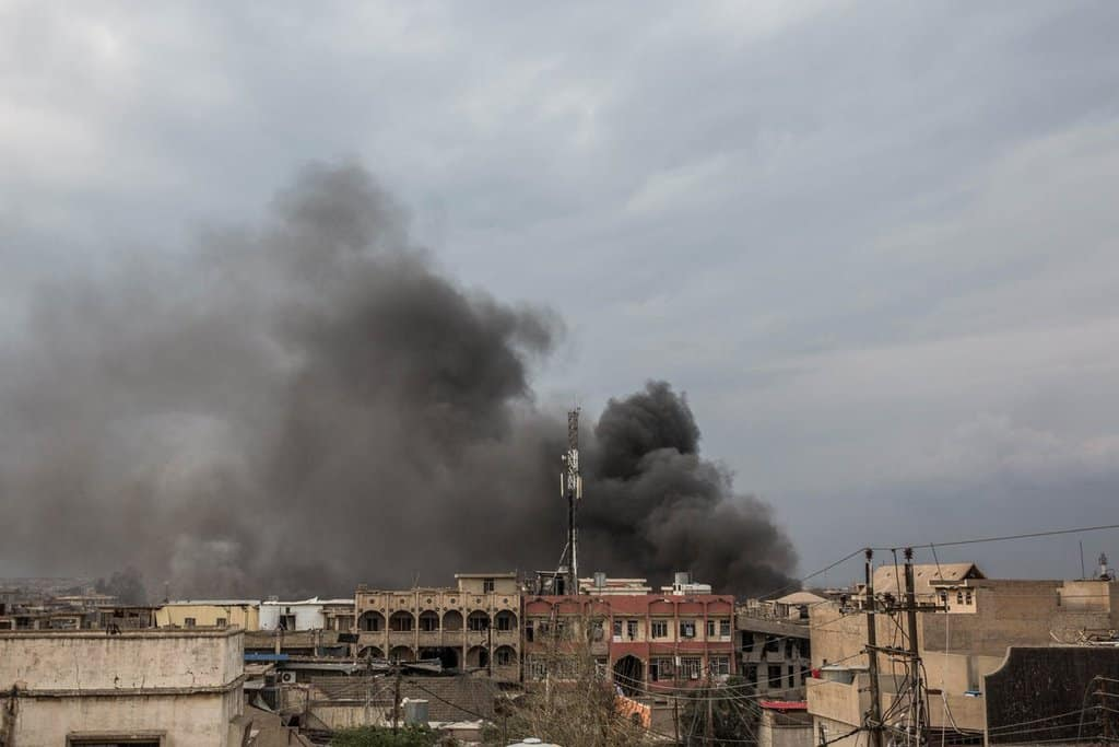Пушек се издига над мястото на бомбрдировката на 17 март, когато според някои данни са загинали 150 цивилни. Снимка: Twitter