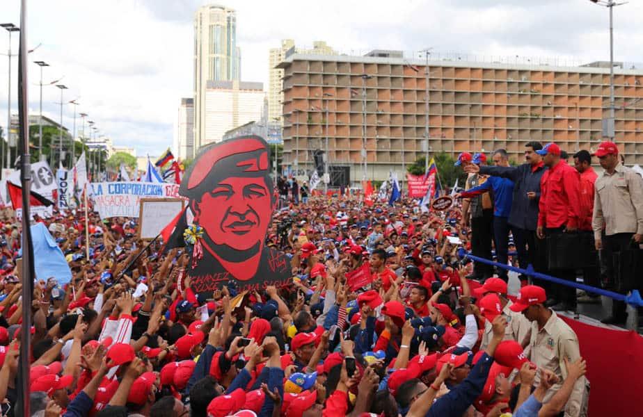 Президентът Николас Мадуро обяви свикването на Конституционно събрание на първомайския митинг в Каракас. Снимка: minci.gob.ve