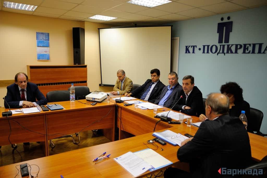 Представители на синдикатите, правителството и работодателите откриха конференцията, посветена на стълба за социални права. Снимка: Барикада