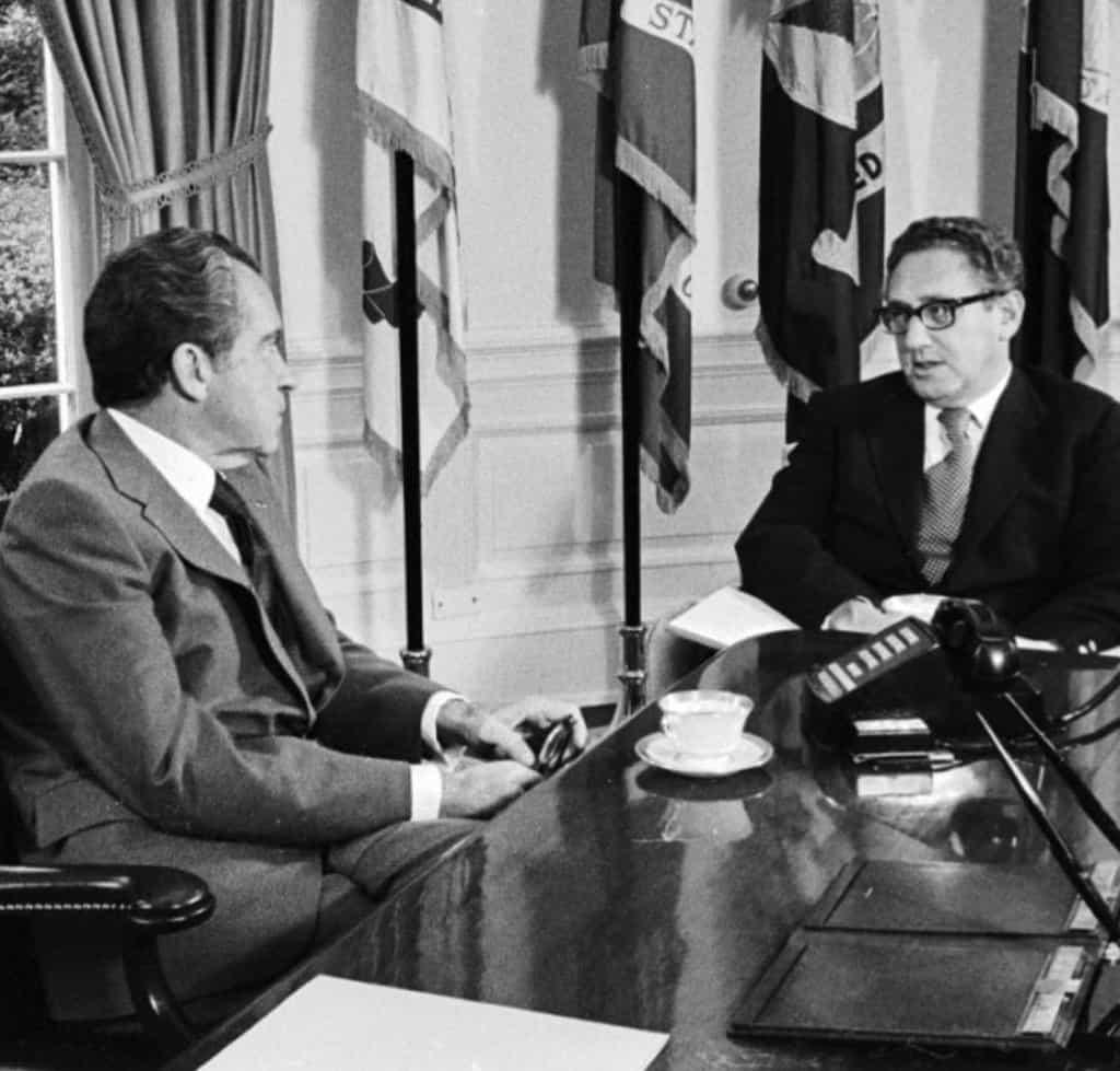Кисинджър и Никсън. Снимка: https://twitter.com/TMDILL1