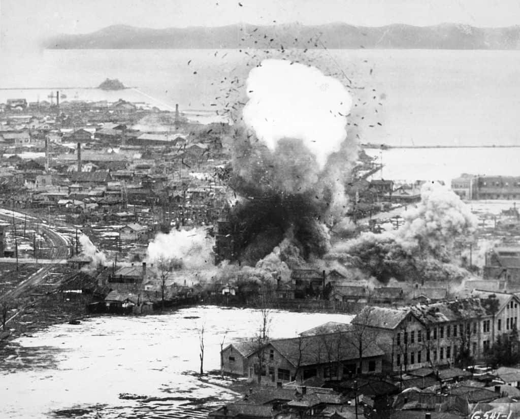 САЩ хвърлят 635 хил. тона бомби по време на войната, повечето върху Севера. Снимка: Wikimedia Commons