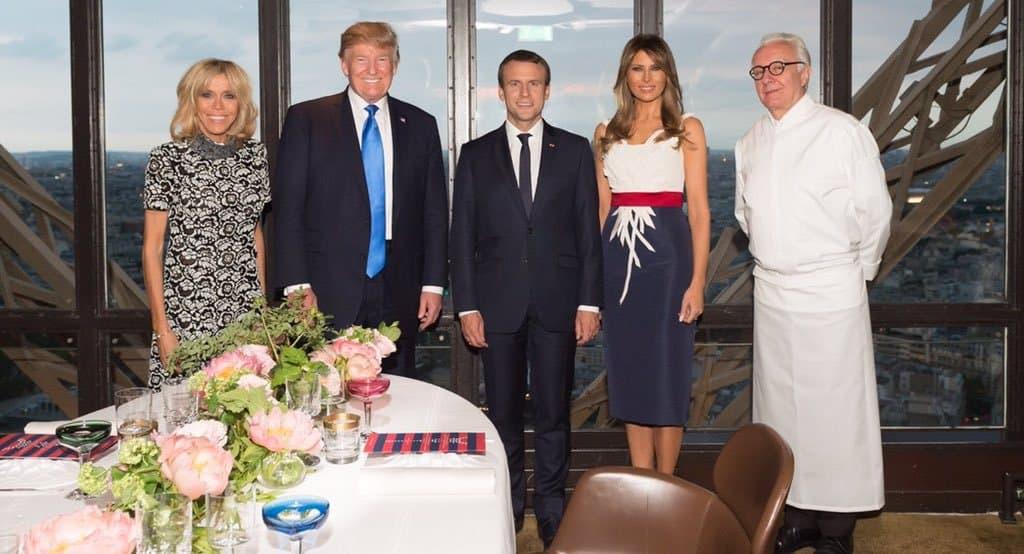 Част от програмата бе частна вечеря на върха на Айфеловата кула, приготвена лично от световноизвестния готвач Ален Дюкас. Снимка: @realDonaldTrump