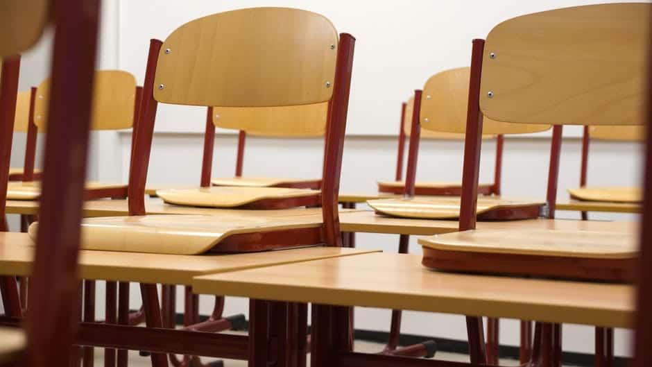 Ако влязат в класните стаи, а не само в деловодството, институциите ще трябва да признаят пълния провал на политиките от последните 10 години. Снимка: Pexels
