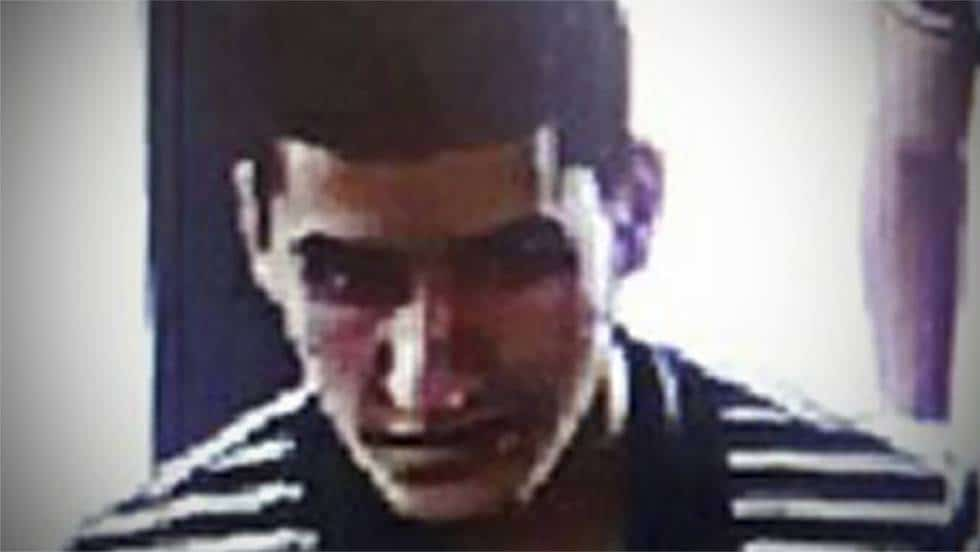 """Снимка на атентатора Юнес Абуяакуб от охранителна камера по време на бягството му от """"Лас Рамблас"""". Снимка: El Pais"""