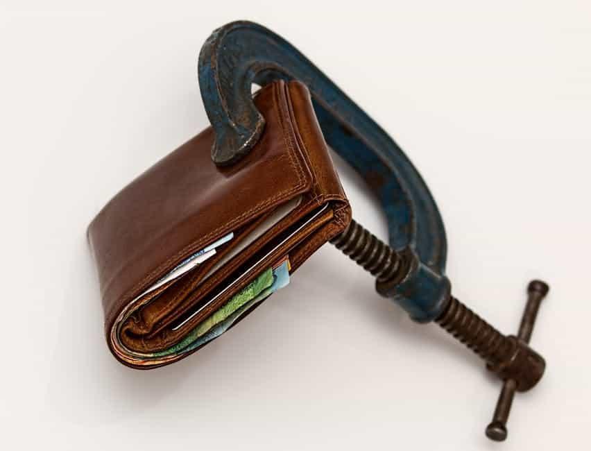 Високият дял на косвените данъци се отразява негативно на индивидуалното потребление, а оттам и на икономиката. Снимка: Pexels