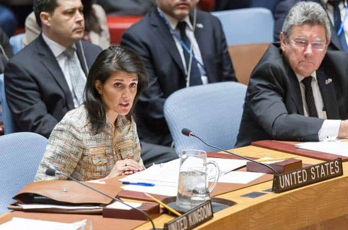 Посланикът на САЩ в ООН Ники Хейли не се притеснява да говри напълно неверни неща за иранската ядрена сделка. Снимка: https://www.facebook.com/NikkiHaley