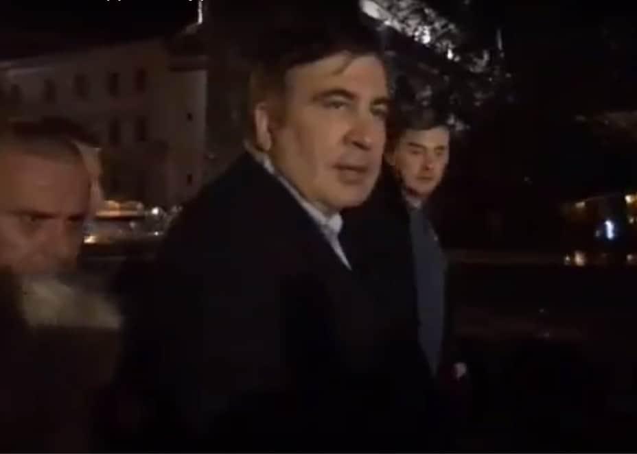 Саакашвили и привържениците му си пробиха със сила път до Лвов. Снимка: Youtube