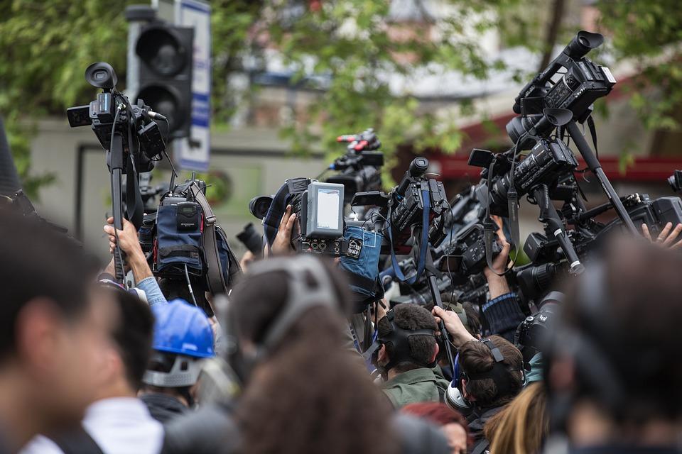 Журналистите може да се преборят да зададат въпрос, но дали имат необходимото време, за да намерят най-важния въпрос? Снимка: Pixabay